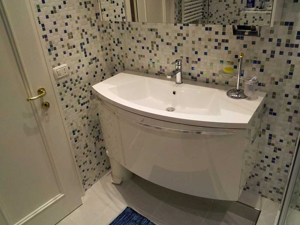 Vasca Da Bagno Bene Significativo : Lavorazioni bagno chiavi in mano spinazza c s n c